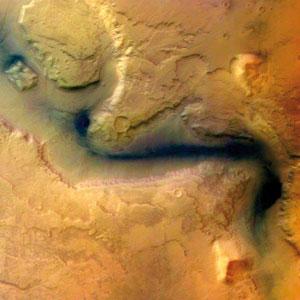 <p>Gewaltige Täler durchziehen die Marsoberfläche</p>